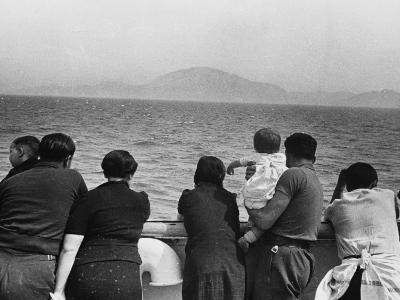 Refugee Ship WWII-Robert Hunt-Photographic Print