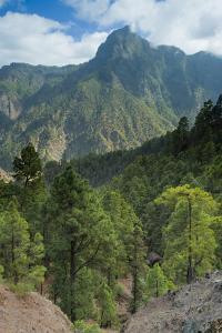 Berjenado Peak, Caldera De Taburiente Np, La Palma, Canary Islands, Spain, March 2009 by Relanzón