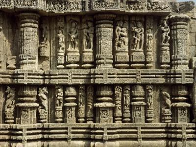 https://imgc.artprintimages.com/img/print/relief-from-hindu-sun-temple-in-konarak_u-l-ppp1b10.jpg?p=0