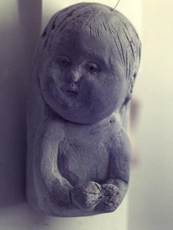 https://imgc.artprintimages.com/img/print/relief-of-a-baby-1968_u-l-q1e1ydk0.jpg?p=0