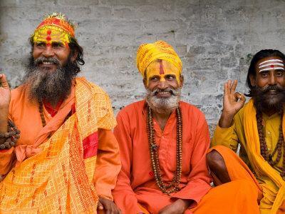 https://imgc.artprintimages.com/img/print/religious-man-at-pashupatinath-holy-hindu-place-on-bagmati-river-kathmandu-nepal_u-l-p2saz20.jpg?p=0