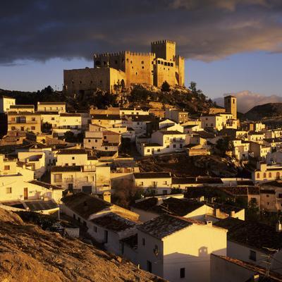 https://imgc.artprintimages.com/img/print/renaissance-castle-and-town-velez-blanco-almeria-andalucia-spain_u-l-pwfa3k0.jpg?p=0