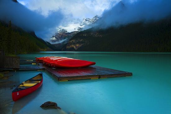 rental-boats-lake-louise-banff