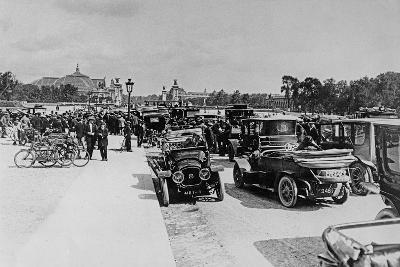 Requisition of Automobiles on the Esplanade Des Invalides, Paris, 16 August 1914--Giclee Print