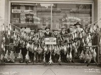https://imgc.artprintimages.com/img/print/result-of-a-duck-shoot-near-houston-texas-usa-1921_u-l-pjio1r0.jpg?p=0