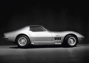 Corvette Stingray by Retro Classics