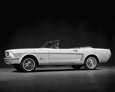Vintage Mustang black and white print