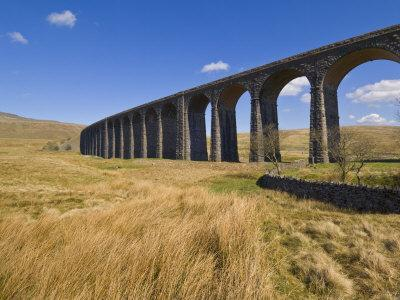 https://imgc.artprintimages.com/img/print/ribblehead-railway-viaduct-on-settle-to-carlisle-rail-route-yorkshire-dales-national-park-england_u-l-p9f0m20.jpg?p=0