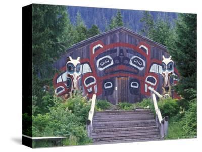 Saxman Totem Park Communal House, Alaska
