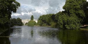 Buckingham Palace, St James Park, London by Richard Bryant