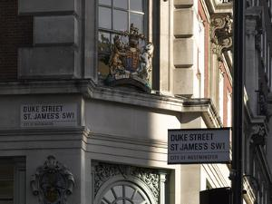 Crest, Fortnum and Mason, Piccadilly, London by Richard Bryant