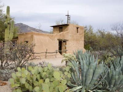 Adobe Mission, De Grazia Gallery in Sun, Tucson, Arizona, United States of America, North America by Richard Cummins