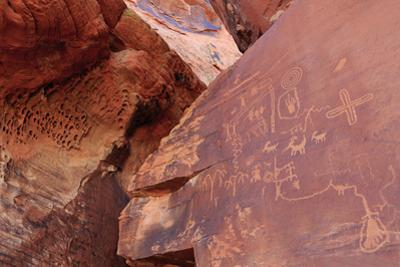 Atlatl Rock, Valley of Fire State Park, Overton, Nevada, United States of America, North America by Richard Cummins