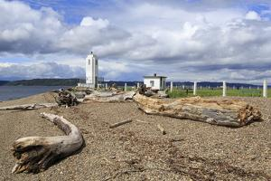 Brown's Point Lighthouse, Tacoma, Washington State, United States of America, North America by Richard Cummins
