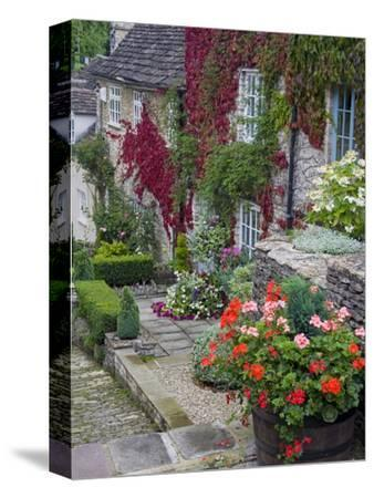 Cottage on Chipping Steps, Tetbury Town, Gloucestershire, Cotswolds, England, United Kingdom