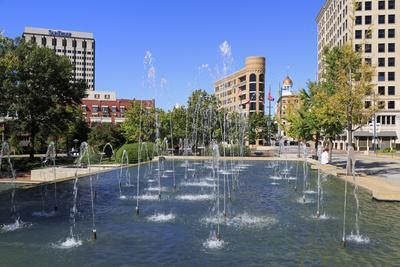 Fountain in Miller Park, Chattanooga, Tennessee, United States of America, North America