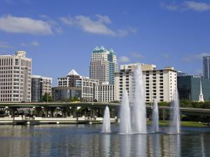 Fountain, Lake Lucerne, Orlando, Florida, United States of America, North America by Richard Cummins