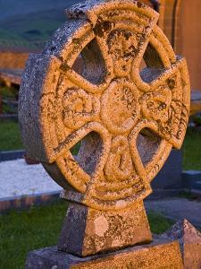 Gravestone at Church of Ireland Graveyard by Richard Cummins