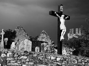 Kilcash Church and Burial Ground by Richard Cummins