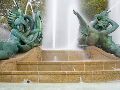 Logan Square Fountain, Parkway Museum District, Philadelphia, Pennsylvania by Richard Cummins