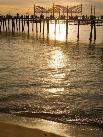 Pier, Redondo Beach, California, United States of America, North America by Richard Cummins