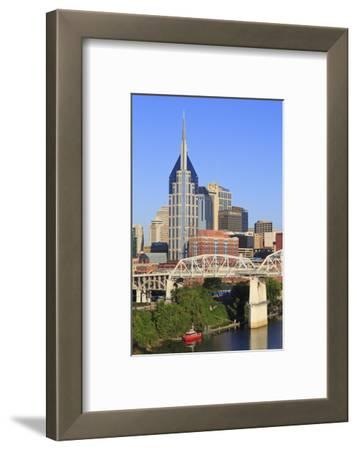Shelby Pedestrian Bridge and Nashville Skyline, Tennessee, United States of America, North America