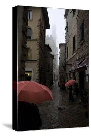 Volterra, Red Umbrellas