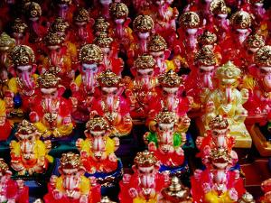 Ganesh Statues for Sale at Gulmandi Road Bazaar, Aurangabad, Maharashtra, India by Richard I'Anson