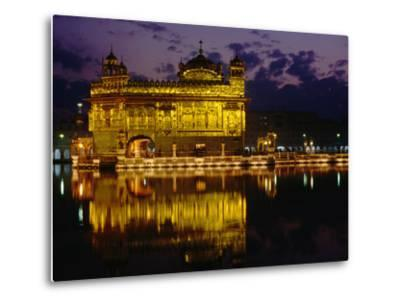 Golden Temple (Harmandir Sahib) on Waterfront, Amritsar, Punjab, India