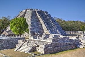 Castillo De Kukulcan, Mayapan, Mayan Archaeological Site, Yucatan, Mexico, North America by Richard Maschmeyer