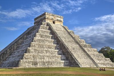 El Castillo (Pyramid of Kulkulcan), Chichen Itza, Yucatan, Mexico, North America