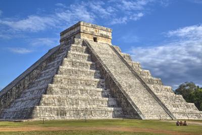 El Castillo (Pyramid of Kulkulcan), Chichen Itza, Yucatan, Mexico, North America by Richard Maschmeyer