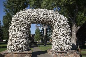 Elk Antler Arch, Town Square, Jackson Hole, Wyoming, United States of America, North America by Richard Maschmeyer