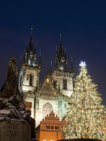 Christmas Tree, Gothic Tyn Church and Statue of Jan Hus, Old Town Square, Stare Mesto, Prague
