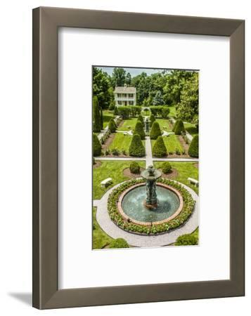 The Garden at Antrim 1844, a Restored Plantation House in Taneytown, Maryland