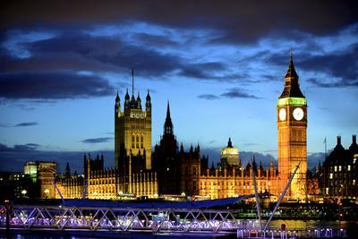 Big Ben and the Houses of Parliament, Thames River, London, England