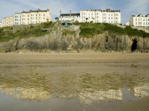 South Beach, Tenby, Pembrokeshire, Wales, United Kingdom, Europe by Richardson Rolf