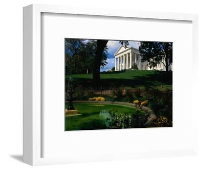 Virginia State Capitol Building and Gardens, Richmond, USA