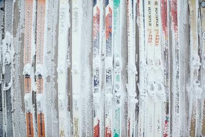 https://imgc.artprintimages.com/img/print/rime-covered-skis-mounted-to-the-wall-of-corbet-s-cabin-at-top-of-jackson-hole-mt-resort-wyoming_u-l-q19mo3t0.jpg?p=0