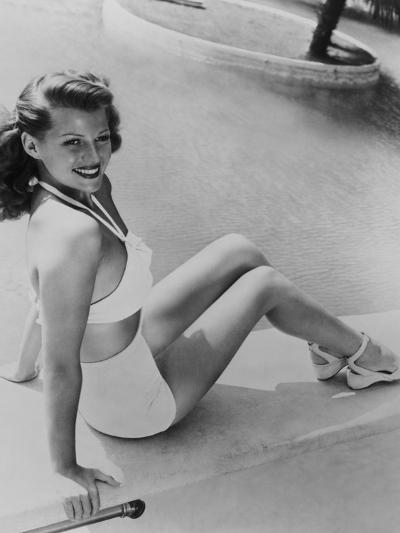 Rita Hayworth, 1945--Photographic Print
