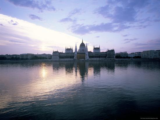 River Danube, Budapest, Hungary-Oliviero Olivieri-Photographic Print