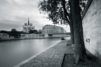 https://imgc.artprintimages.com/img/print/river-walk_u-l-f5rqtn0.jpg?p=0