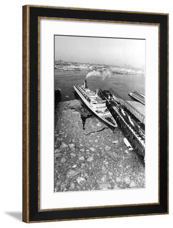 RMS Queen Elizabeth II in New York Harbour--Framed Photographic Print