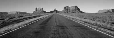 Road Monument Valley, Arizona, USA--Photographic Print