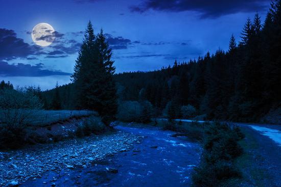 POEMAS SIDERALES ( Sol, Luna, Estrellas, Tierra, Naturaleza, Galaxias...) - Página 24 Road-near-the-forest-river-at-night_u-l-q103ksp0