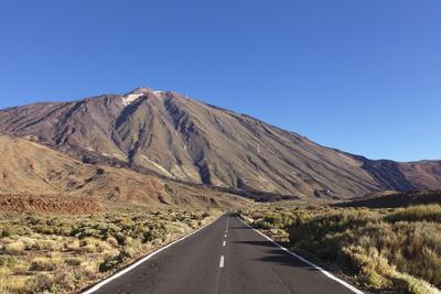 https://imgc.artprintimages.com/img/print/road-through-caldera-de-las-canadas-national-park-teide-canary-islands_u-l-q12srqm0.jpg?p=0
