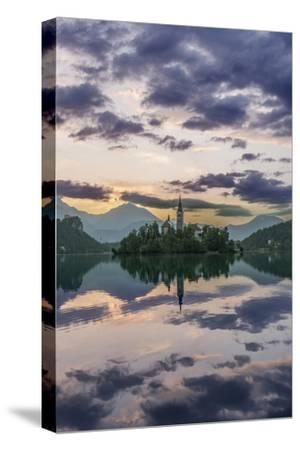 Slovenia, Bled, Lake Bled Dawn