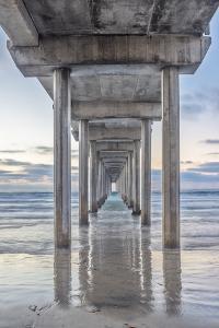 USA, California, La Jolla, Scripps Pier by Rob Tilley