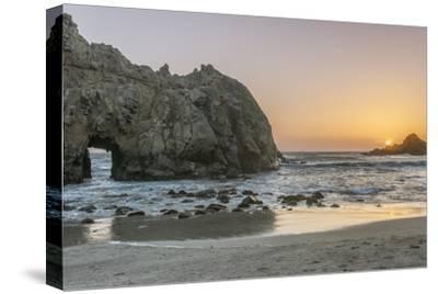 USA, California, Near Big Sur, Pfeiffer Beach Sunset