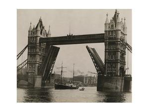 The Quest, under Command of Shackleton, Leaves London on the Thames by Robert Cushman Murphy